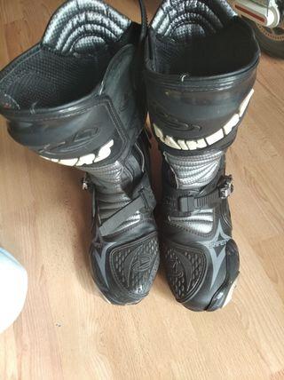 botas talla 42 de circuito