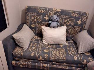 sofá cama de madera