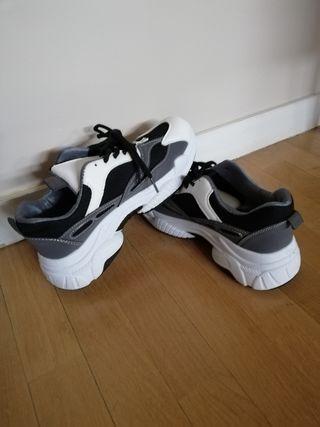 Zapatillas deportivas sin estrenar