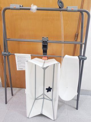 Bañera plegable flexi bath Stokke con soporte.