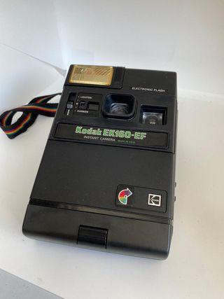Camara Polaroid Kodak EK 160-EF con flash