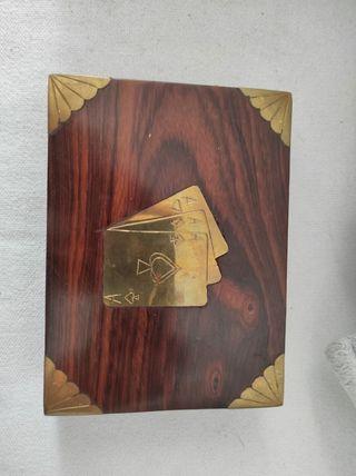 Caja Naipes madera.