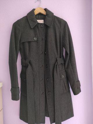 abrigo gris oscuro de Springfield