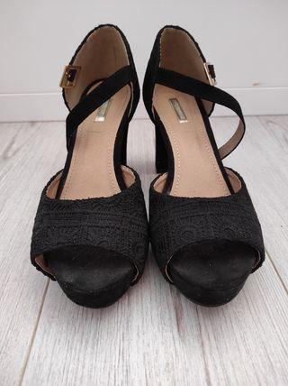 zapatos negros de tacón de Buonarotti