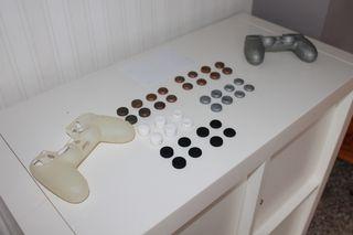 PS4 Lote de grips + 2 fundas de mando ergonómicas