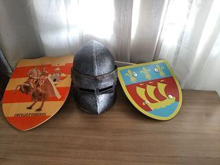 Casco y escudos caballero medieval