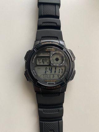Reloj Casio modelo World time iluminador