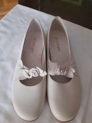Zapatos de niña talla 38