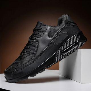 zapatillas deporte negras nuevas