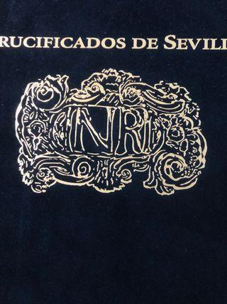 Libro crucificados de Sevilla