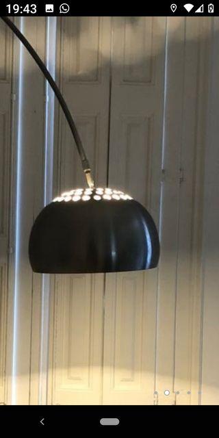 Lámpara Diseño Arco.