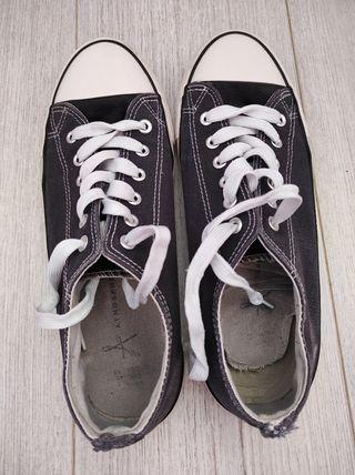 zapatillas azul marino de Primark
