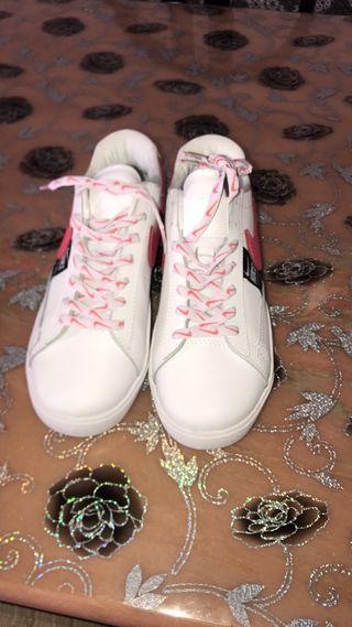Bambas nike blanco y rosa TALLA 40