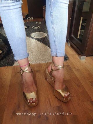 Sexy platform sandals!
