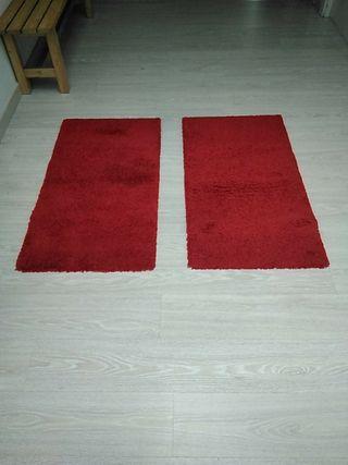 Alfombras rojas pie de cama