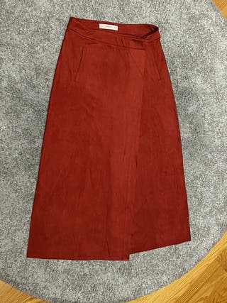 Falda 3/4 de ante rojo cereza de Mango