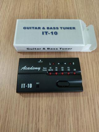 Afinador para Bajo o Guitarra Academy IT-10 nuevo.