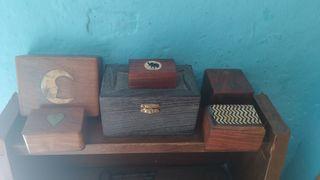 lote de cajas de madera. 1 Caja en forma de dado