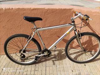 Bicicletas de montaña con cuadro de aluminio