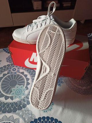 Nike blancas, NUEVAS