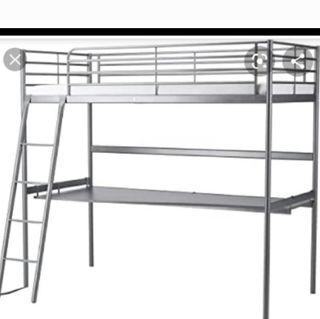 cama alta con escritorio