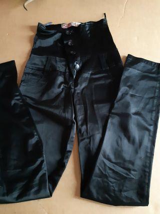 pantalones altos de raso
