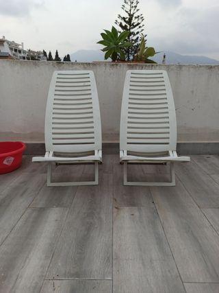 sillas de plástico para playa