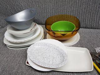 platos y cubiertos