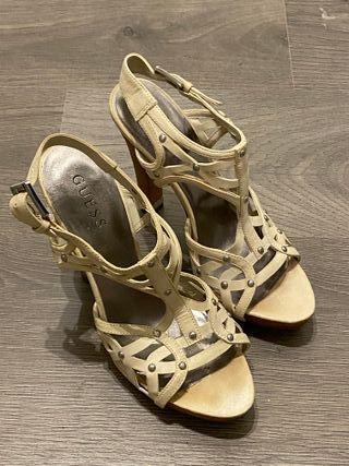 Zapato sandalia GUESS