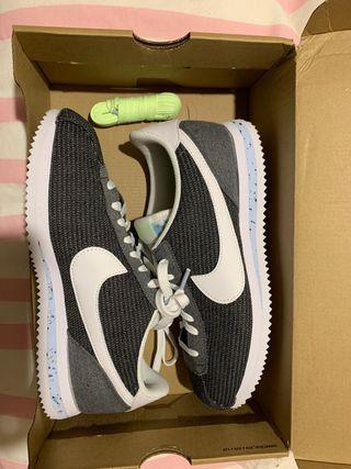 Nike cortez gris y blancas jaspeado 41