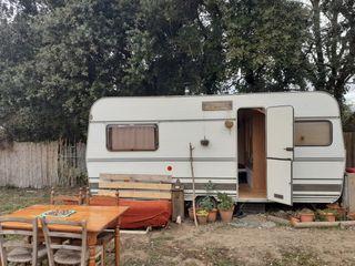 Vendo caravana años 80