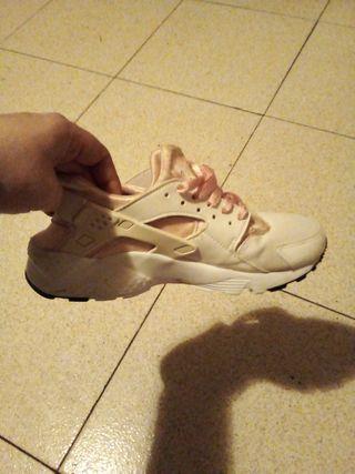 Vendo Nike Mujer Talla 37.5 Blancas y Rosas