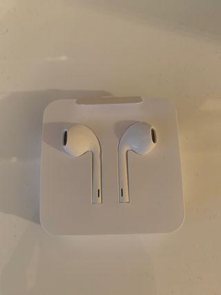 Genuine Apple Lightning EarPods