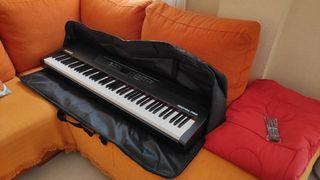 FUNDA PORTÁTIL ACOLCHADA PIANO 88 TECLAS