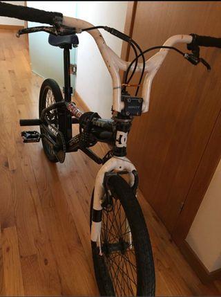 BICICLETA BMX MONTY 301 FREE