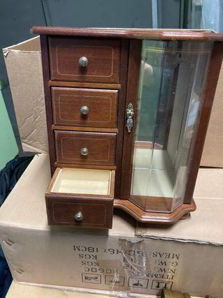Caja para joyas musical de madera