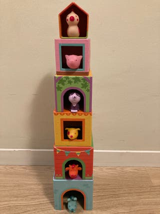 Cubos apilables con muñecos de goma