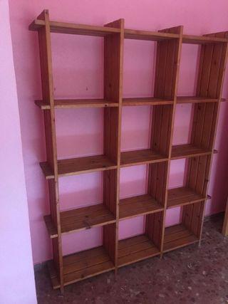 estantería madera maciza