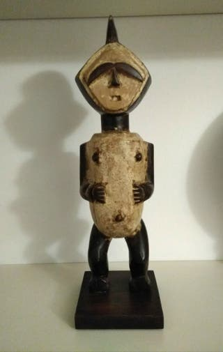 Talla africana de madera