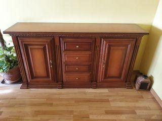 Aparador de madera salón