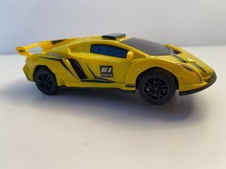 Coche Lamborghini Veneno Amarillo a escala 1/43