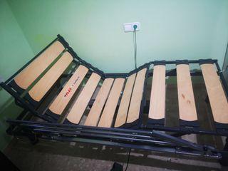 cama articulada y colchón antiescaras
