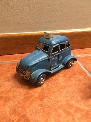 Figura coche antiguo