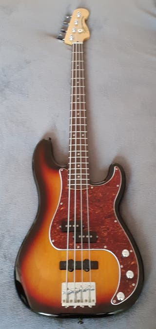 Bajo Fender Squier Precision Vintage Modified