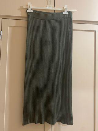 falda de tubo verde botella