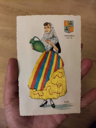 Postal Antigua Mallorca, mujer con vestido de hilo