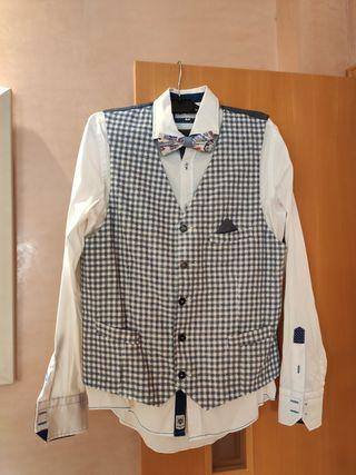 Conjunto americana, chaleco, camisa y pajarita