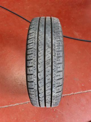 215/70/15 C pareja de neumáticos