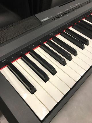 Piano Yama P105