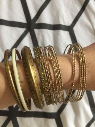 Lote pulseras doradas
